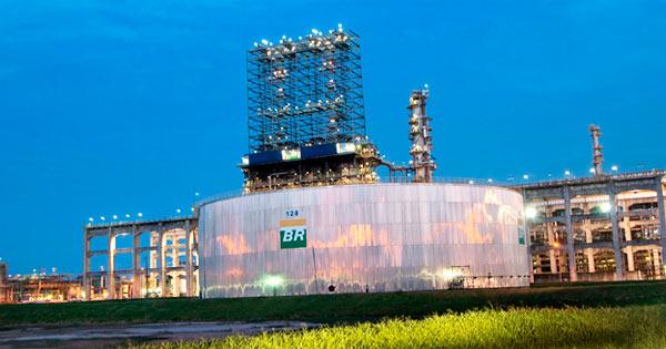petro - Petrobras anuncia redução de 0,84% no preço da gasolina nas refinarias