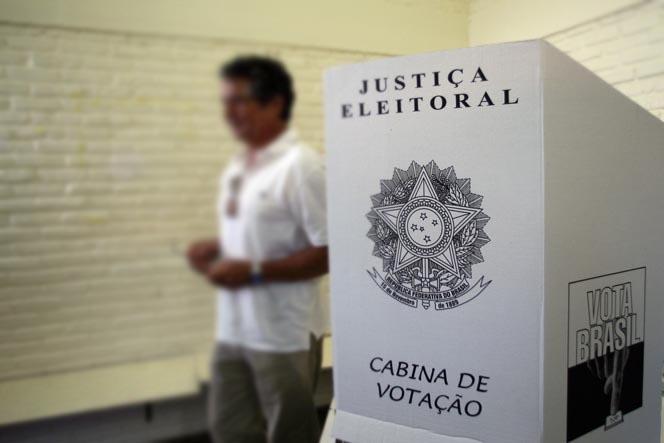 votação - TSE proíbe celular na cabina de votação