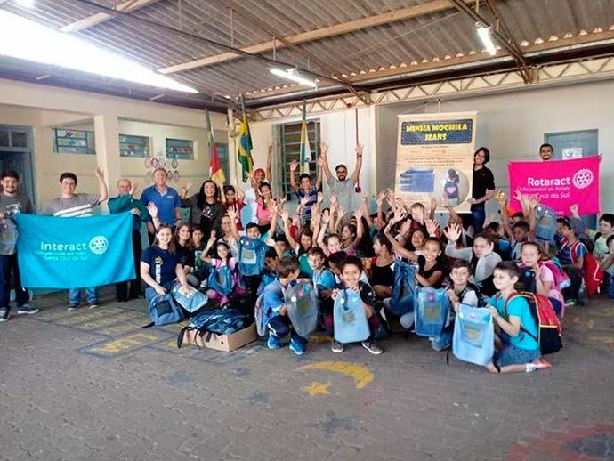 Ação Santa Cruz do Sul Minha Mochila Jeans - Ação transforma calças jeans em mochilas para escolas municipais de Santa Cruz do Sul