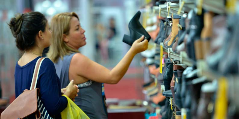 42688120e6 Começa Feira da Loucura por Sapatos em Novo Hamburgo – Revista News