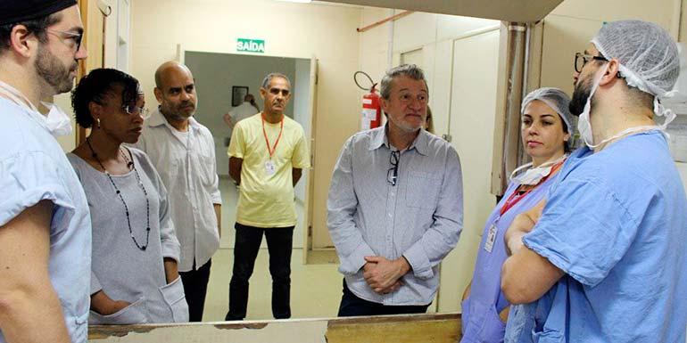 Ary Vanazzi mutirão de cirurgias - Vanazzi acompanha andamento do mutirão de cirurgias