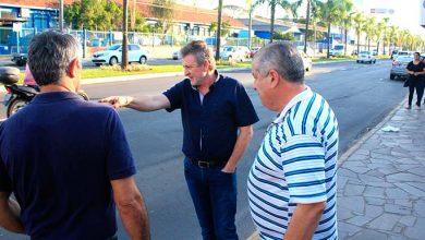 Ary Vanazzi vistoria obras no centro de São Leopoldo 390x220 - Vanazzi vistoria obras de recuperação asfáltica em paradas de ônibus