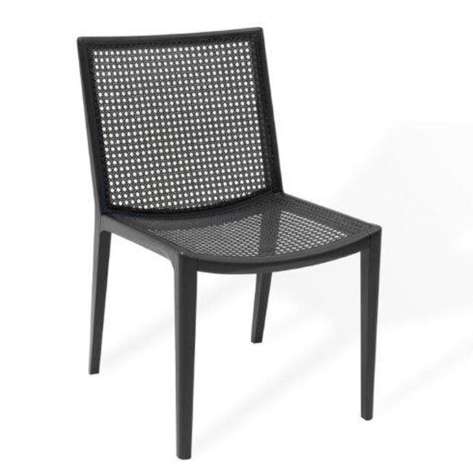 Cadeira Gávea disponível na Clami - Clami apresenta móveis em palhinha com traços modernos
