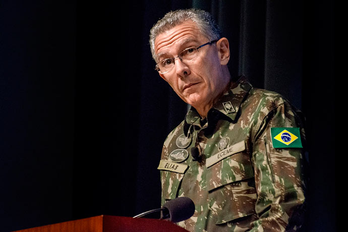General Elias Martins - General brasileiro vai comandar missão de paz da ONU no Congo