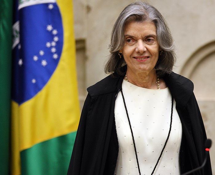 Ministra Cármen Lúcia preside sessão do STF - Cármen Lúcia autoriza corte de ponto de auditores fiscais grevistas