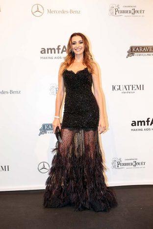Monica Martelli 3 312x468 - Baile de gala do amfAR reuniu famosos em São Paulo