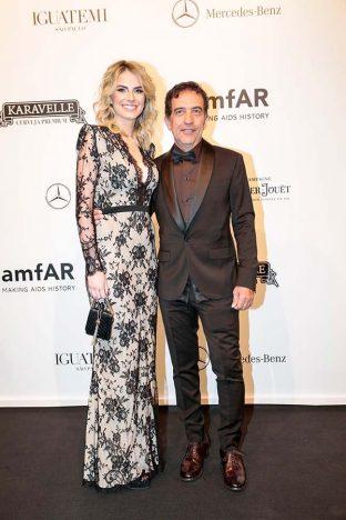 Ricardo Almeida E Fran Siqueira 3 312x468 - Baile de gala do amfAR reuniu famosos em São Paulo