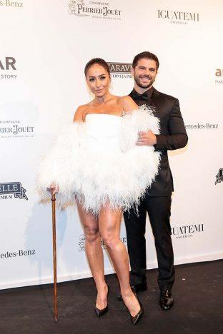 Sabrina Sato e Duda Nagle 2 312x468 - Baile de gala do amfAR reuniu famosos em São Paulo