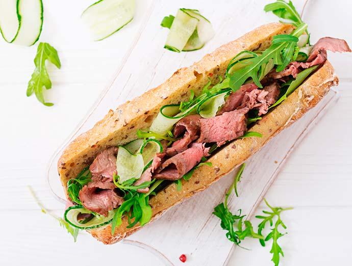 Sanduíche de rosbife com maionese picante - Alternativas para os embutidos na alimentação