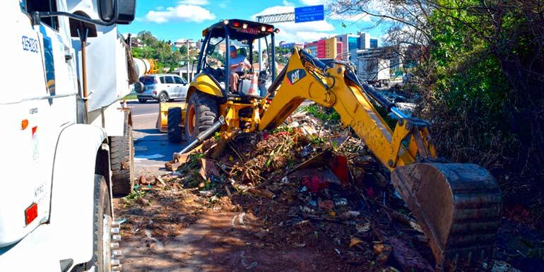 Secretaria de Obras realiza limpeza às margens da rodovia ERS 239 novo hamburgo - Secretaria de Obras realiza limpeza às margens da rodovia ERS-239