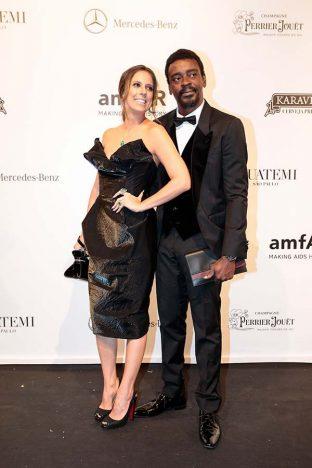 Seu Jorge E Karina Maluf 4 312x468 - Baile de gala do amfAR reuniu famosos em São Paulo