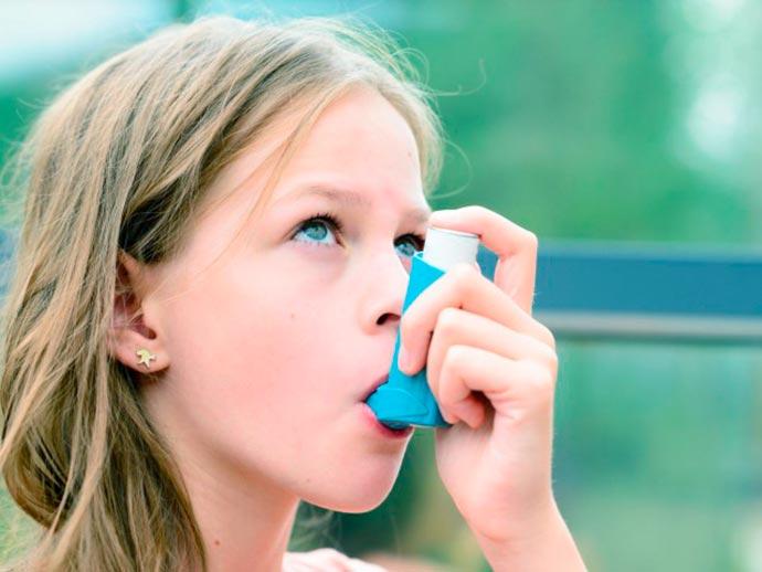Asma pode causar danos físicos e sociais em crianças