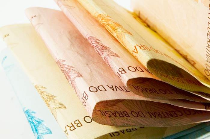 dineiro usp imagens - Mercado reduz para R$ 136,1 bilhões previsão de déficit nas contas públicas