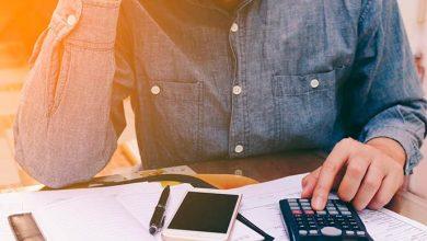 dividas 390x220 - Percentual de famílias endividadas sobe em março