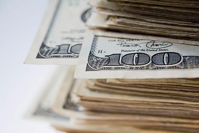 dolar - Dólar sobe e Bovespa fecha em alta recorde