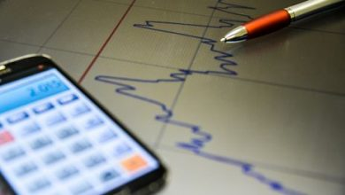 economia ilustracao 2 390x220 - Atividade econômica registrou queda neste primeiro trimestre