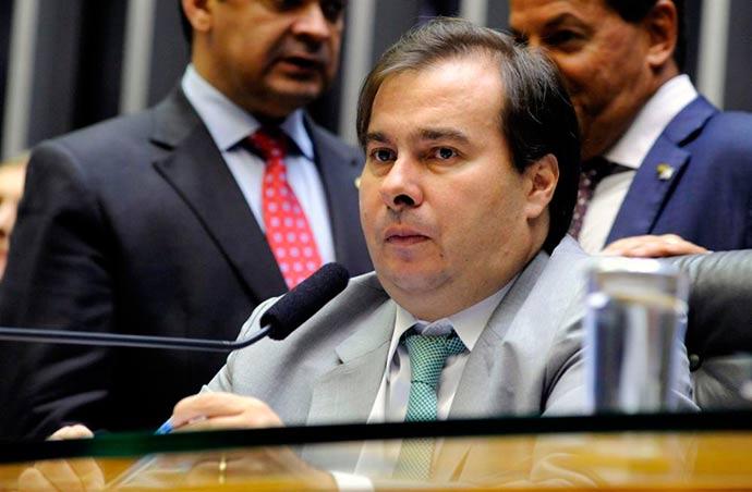 rodrigo maia - Maia defende tramitação de PEC que permite prisão em 2ª instância