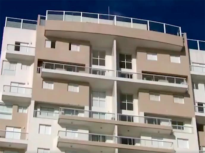 solaris - MTST e Frente Povo sem Medo ocupam triplex do Guarujá