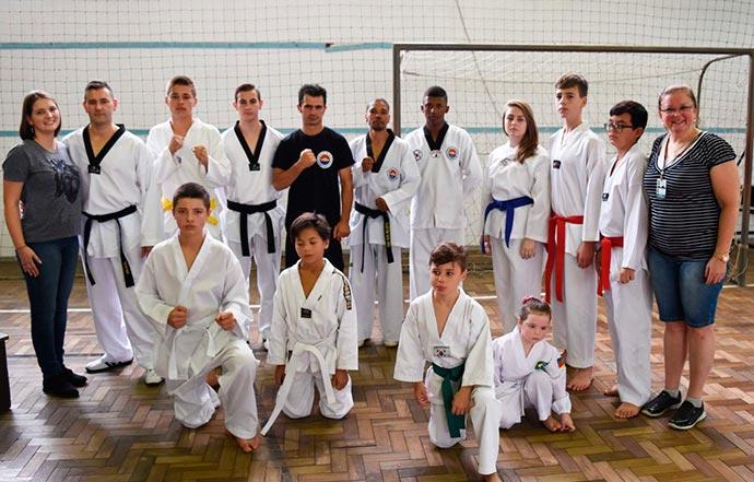 torneio - Dois Irmãos sediou o 11º Campeonato de Taekwondo Chung do Kwan