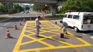 transito 6 390x220 - Prefeitura qualifica sinalização de trânsito em três pontos da cidade