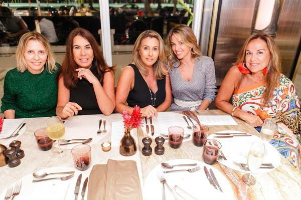 zeze d.  marcia a.  andrea o.  alessandra s. e graA a s web  - Sinesia Karol oferece Fashion Dinner Celebrate