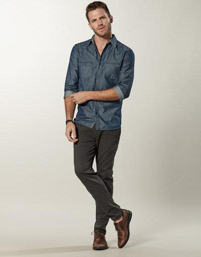 335833 783022 look099 47278 web  - Vila Romana aposta na camisa jeans