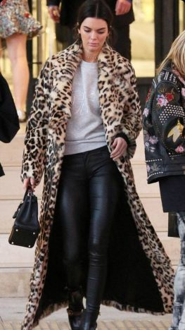 5fd5f9644df28c0c12ce2ecbfa7507c4 263x468 - Tendências Pinterest - casaco de pelúcia para se aquecer no inverno
