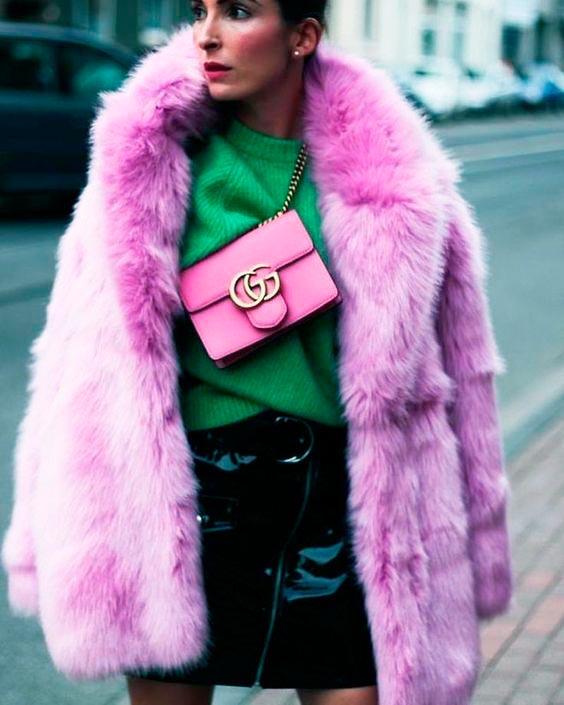 6074564d515c8a8c1df2a61d9a9d89aa - Tendências Pinterest - casaco de pelúcia para se aquecer no inverno