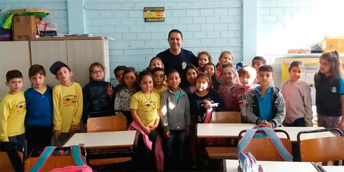 Agencia - Maio Amarelo começa nas escolas municipais de Novo Hamburgo