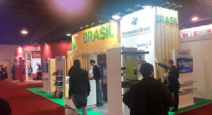 Apex Brasil - Sindmóveis leva fornecedoras da indústria moveleira para a Expodeco Peru
