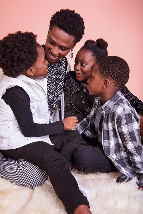 BVM CA 0126 R2 - C&A lança campanha de Dia das Mães com famílias reais