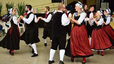 Grupo de danças adulto 390x220 - Kaffeeschneis´Fest agitou Picada Café