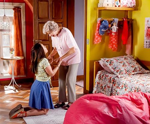 Mirela quer roupa nova Foto Gabriel Cardoso SBT 25 - As Aventuras de Poliana - Resumo dos Capítulos 14 a 18 (04.06 a 08.06)
