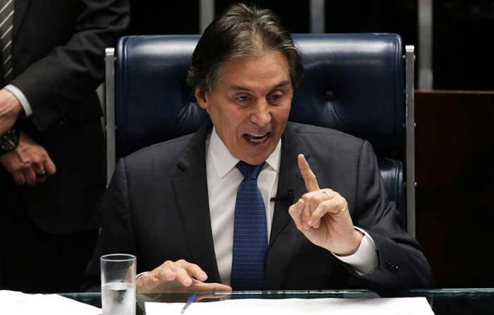O Presidente do Senado Eunício Oliveira - Presidente do Senado convoca sessão extraordinária para votar projeto sobre fretes