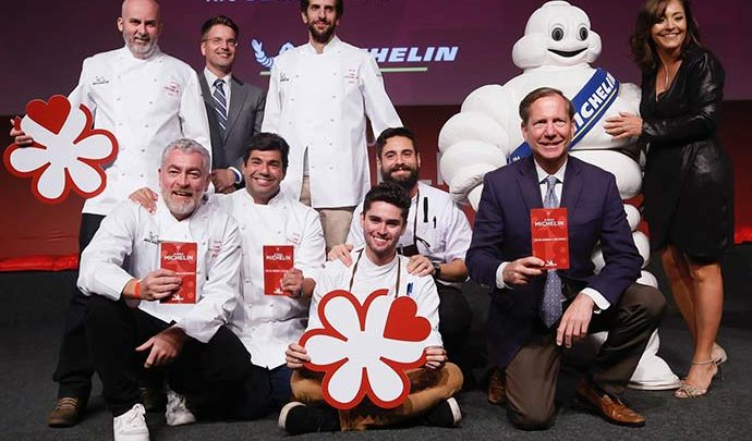 Premiados 2 Estrelas 0002 690x405 - Guia MICHELIN entrega premiação em jantar especial