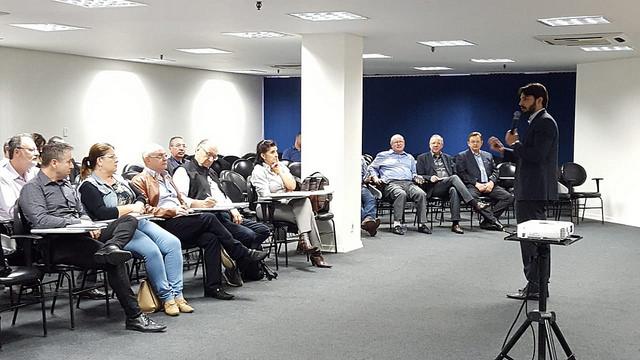 Renalegis Estadual - Fecomércio-RS realiza encontro Renalegis com foco na atuação regional