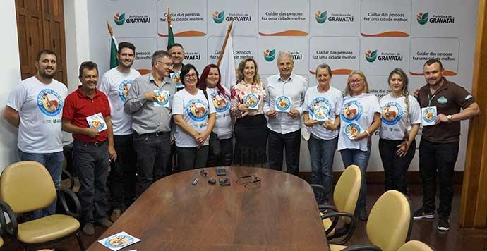 """adote um amigo - Prefeitura de Gravataí lança o programa """"Adote um Amigo"""""""