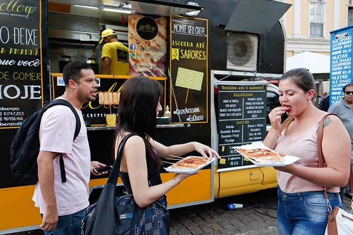 alvarás para Food Trucks - Alvará de saúde passará a ser obrigatório para food trucks em Porto Alegre