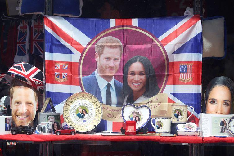brindes - Casamento real atrai milhares de turistas e aquece economia britânica