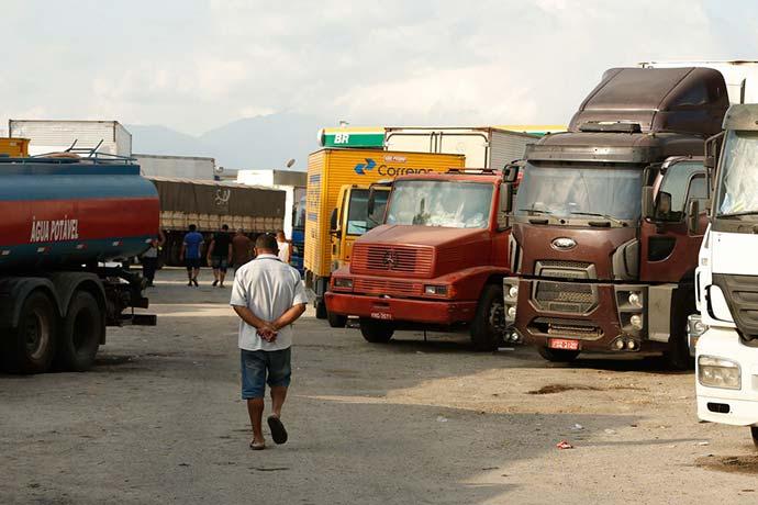 caminhoes 1 - Paralisação dos caminhoneiros já traz perdas de R$ 1,6 bilhão à indústria gaúcha