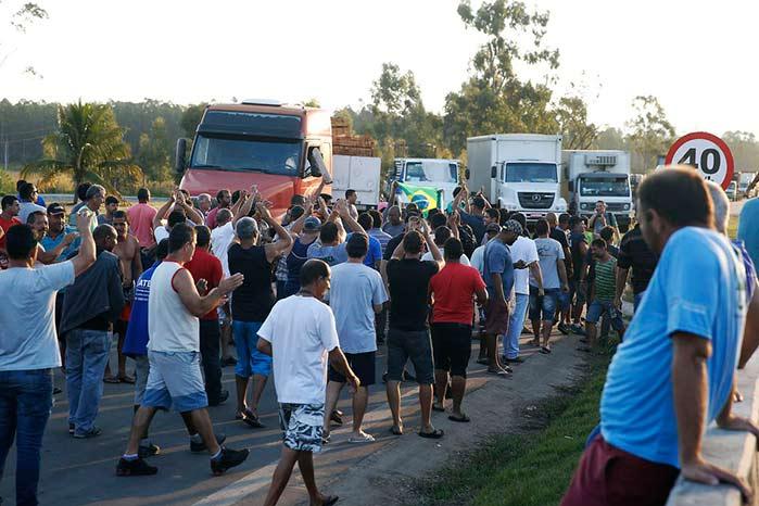 caminhoneiros 2 - Empresário gaúcho é preso por impedir desbloqueios nas estradas