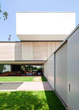 casa belgica4 338x468 - Casa Bélgica: área social liberada de paredes e integrada ao jardim
