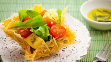 cestinha queijo 390x220 - Cestinha de parmesão e batata palha