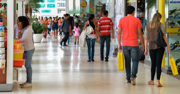 comércio - Fecomércio-RS aponta queda na confiança de varejistas gaúchos