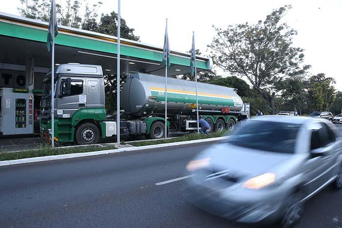combustiveis - Reajuste de combustíveis será feito em 60 dias e depois, mensalmente