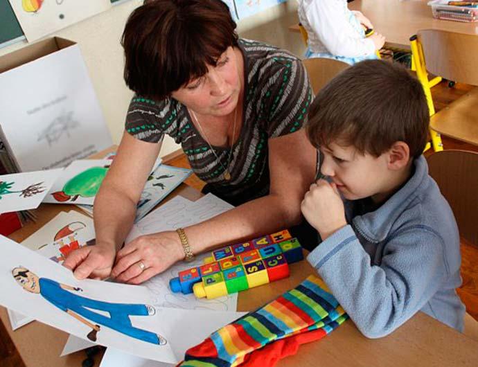 educação - Homeschooling: educar a criança em casa é bom para o seu desenvolvimento?