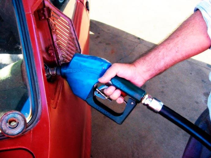 gasolinasadgdags - Petrobras baixa preço da gasolina nas refinarias