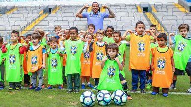 lg noticias gra mio recebe 150 criana as na arena para o festival do futeboll 21078 390x220 - Festival do Futebol na Arena reúne 150 crianças