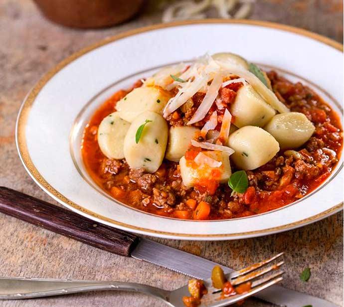 nhoque bolonhesa - Nhoque à Bolonhesa para o almoço do Dia das Mães