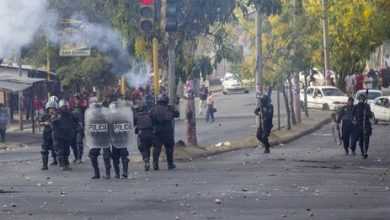 protestos na nicaragua 390x220 - Grupo ataca estudantes que ocupam universidade na Nicarágua